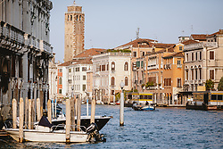 THEMENBILD - der Canal Grande und die angrenzenden Häuser, aufgenommen am 05. Oktober 2019 in Venedig, Italien // the Canal Grande and the adjoining houses, in Venice, Italy on 2019/10/05. EXPA Pictures © 2019, PhotoCredit: EXPA/Stefanie Oberhauser