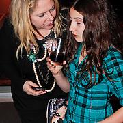 NLD/Amsterdam/20110128 - AIFW winter 2011, show Addy van den Krommenacker, Fiona Hering en dochter India