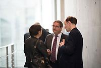 DEU, Deutschland, Germany, Berlin, 26.09.2017: Gottfried Curio (R, MdB, AfD) und Martin Hebner (M, MdB, AfD) vor der ersten Fraktionssitzung der AfD-Bundestagsfraktion im Deutschen Bundestag.