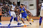 DESCRIZIONE : Eurolega Euroleague 2015/16 Group D Dinamo Banco di Sardegna Sassari - Maccabi Fox Tel Aviv<br /> GIOCATORE : Sylven Landesberg<br /> CATEGORIA : Palleggio Penetrazione<br /> SQUADRA : Maccabi FOX Tel Aviv<br /> EVENTO : Eurolega Euroleague 2015/2016<br /> GARA : Dinamo Banco di Sardegna Sassari - Maccabi Fox Tel Aviv<br /> DATA : 03/12/2015<br /> SPORT : Pallacanestro <br /> AUTORE : Agenzia Ciamillo-Castoria/C.Atzori