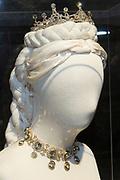 """Opening tentoonstelling 'Sisi, sprookje & werkelijkheid' te Paleis Het Loo. De tentoonstelling belicht het levensverhaal van Keizerin Elisabeth. Aan de hand van filmfragmenten, foto's, schilderijen en persoonlijke bezittingen worden haar jeugd, haar leven aan het Weense hof, haar kroning tot Koningin van Hongarije en de mythevorming rond haar persoon geïllustreerd.<br /> <br /> Opening exhibition """"Sisi, fairy tale and reality 'to Palace Het Loo. The exhibition highlights the life of Empress Elisabeth. On the basis of film clips, photographs, paintings and personal belongings are her childhood, her life at the Viennese court, her coronation as Queen of Hungary and the myths around her person illustrated.<br /> <br /> Op de foto/ On the Photo:  Tentoonstelling / Exibition"""