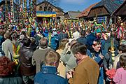 Lipnica Murowana, 2006-04-09. Festyn w czasie konkursu palm wielkanocnych w Niedzielę Palmową w Lipnicy Murowanej