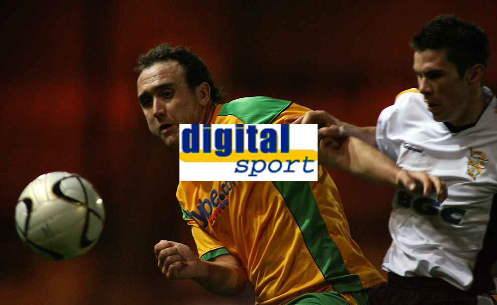 Photo: Paul Thomas.<br /> Port Vale v Norwich City. Carling Cup. 24/10/2006.<br /> <br /> Lee Croft (L) of Norwich gets the ball from Adam Drury.
