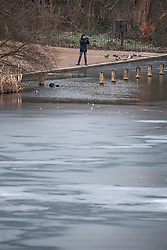 © Licensed to London News Pictures. 11/02/2021. London, UK. The Serpentine Lake in Hyde Park, central London, partly frozen over following another night of sub zero temperatures in the capital. Photo credit: Ben Cawthra/LNP
