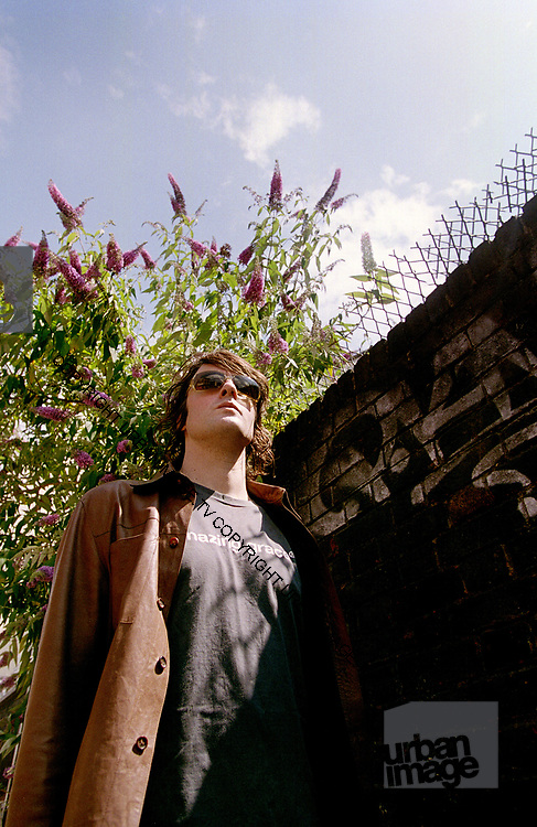 Spiritualized Jason Pierce Brick Lane photosession London 2003