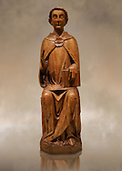 Gothic statue of Saint Peter by Joan Gasco. Tempera, oil, and stucco reliefs in gold leaf on wood. Date circa 1516. From the church of Santa Maria of Palautordera (Valles Oriental).  National Museum of Catalan Art, Barcelona, Spain inv no: 15934