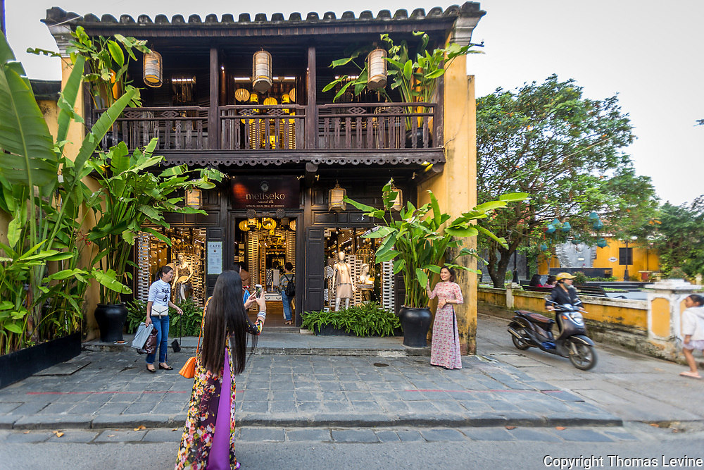 Hoi An is a busy place because of shopping and exploring. There's always photography going on in Ancient Town.