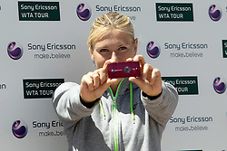 06.05.2010, Madrid, ESP, Wer ist schneller, Sharapova oder Nieto im Bild die Promotion Challenge - Wer ist schneller? zwischen Maria Sharapova (Tennis) und Fonsi Nieto (600cc Mottorrad). Die Tennisspielerin konnte, mit einem Aufschlag von ca. 170 kmh, diese für sich entscheiden, EXPA Pictures © 2010, PhotoCredit: EXPA/ Alterphotos/ Cesar Cebolla / ALFAQUI / SPORTIDA PHOTO AGENCY