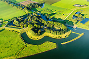 Nederland, Utrecht, Gemeente Houten, 23-08-2016; Tull en 't Waal, Fort Honswijk. Het fort, gelegen aan de oevers van de Lek is onderdeel van de Nieuwe Hollandse Waterlinie en diende om het Lekacces in de linie, de rivier met de uiterwaarden en de Lekdijk, af te sluiten.<br /> Fortress, part of the New Dutch Waterline.<br /> aerial photo (additional fee required); <br /> luchtfoto (toeslag op standard tarieven);<br /> copyright foto/photo Siebe Swart