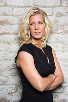 """Anna Karolina, författare till deckarna """"Stöld av babian"""" och """"Står dig ingen åter""""."""