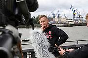 BOXEN: IBO-Weltmeisterschaft, Pressekonferenz, Hamburg, 02.07.2019<br /> Sebastian Formella im Interview<br /> © Torsten Helmke /  Michael Schwartz