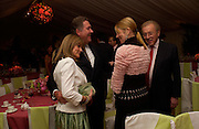 Caroline Delavigne, Robert Milbourn, Sir David and Lady Carina Frost. Cartier dinner after thecharity preview of the Chelsea Flower show. Chelsea Physic Garden. 23 May 2005. ONE TIME USE ONLY - DO NOT ARCHIVE  © Copyright Photograph by Dafydd Jones 66 Stockwell Park Rd. London SW9 0DA Tel 020 7733 0108 www.dafjones.com
