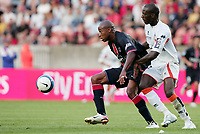 Fotball<br /> Frankrike<br /> Foto: Dppi/Digitalsport<br /> NORWAY ONLY<br /> <br /> FOOTBALL - FRENCH CHAMPIONSHIP 2006/2007 - LEAGUE 1 - PARIS SG v FC LORIENT - 05/08/2006 - FABRICE PANCRATE (PSG) / MICHAEL CIANI (LOR)