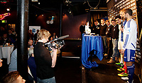 Fotball<br /> Smuget 15.12.10<br /> Vålerenga presenterte ny generalsponsor og drakt , Adidas<br /> Adm Dir Pål Breen , Sigurd Granmark fra Adidas , Truls Håkonssen , MArtin Abdresen , Mostafa Abdellaoue MOS , Andrè Muri og Freddy Dos Santos <br /> Foto: Eirik Førde