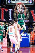DESCRIZIONE : Varese Lega A 2013-14 Cimberio Varese Sidigas Avellino<br /> GIOCATORE : Thomas Will<br /> CATEGORIA : Tiro<br /> SQUADRA : Sidigas Avellino<br /> EVENTO : Campionato Lega A 2013-2014<br /> GARA : Cimberio Varese Sidigas Avellino<br /> DATA : 03/11/2013<br /> SPORT : Pallacanestro <br /> AUTORE : Agenzia Ciamillo-Castoria/I.Mancini<br /> Galleria : Lega Basket A 2013-2014  <br /> Fotonotizia : Varese Lega A 2013-14 Cimberio Varese Sidigas Avellino<br /> Predefinita :