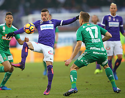 12.02.2017, Ernst Happel Stadion, Wien, AUT, 1. FBL, FK Austria Wien vs SK Rapid Wien, 21. Runde, im Bild Lucas Venuto (FK Austria Wien) und Christopher Dibon (SK Rapid Wien) // during Austrian Football Bundesliga Match, 21st Round, between FK Austria Vienna and SK Rapid Vienna at the Ernst Happel Stadion, Vienna, Austria on 2017/02/12. EXPA Pictures © 2017, PhotoCredit: EXPA/ Thomas Haumer