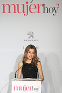 121912 princess letizia mujer hoy awards