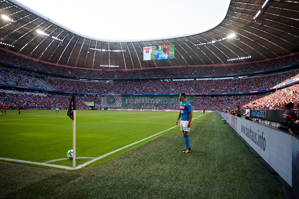August 2, 2017 - Munich, Germany - Ghulam Faouzi of Napoli strikes a corner kick during the Audi Cup soccer match between FC Bayern Munich and SSC Napoli at the Allianz Arena in Munich, Germany on August 02, 2017. (Credit Image: © Paolo Manzo/NurPhoto via ZUMA Press)