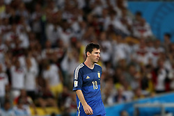 13.07.2014, Maracana, Rio de Janeiro, BRA, FIFA WM, Deutschland vs Argentinien, Finale, im Bild Ein enttaeuschter Lionel Messi (ARG) // during Final match between Germany and Argentina of the FIFA Worldcup Brazil 2014 at the Maracana in Rio de Janeiro, Brazil on 2014/07/13. EXPA Pictures © 2014, PhotoCredit: EXPA/ Eibner-Pressefoto/ Cezaro<br /> <br /> *****ATTENTION - OUT of GER*****