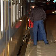 Persoon onder trein geduwd station Naarden Bussum, onderzoek technische recherche