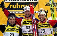 Skiskyting, 12. desember 2003, Vladimir Dratchev (BLR), Lars Berger (NOR), Halvard Hanevold (NOR), Norge Biathlon Norwegen<br /> Weltcup Hochfilzen