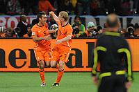 FOOTBALL - FIFA WORLD CUP 2010 - 1/2 FINAL - URUGUAY v NETHERLANDS - 6/07/2010 - JOY NETHERLANDS AFTER THE GOAL OF GIOVANNI VON BRONCKHORST (NED)<br /> PHOTO FRANCK FAUGERE / DPPI