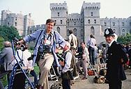 Dennis Brack,  a stake out for President Reagan  at <br />DWindsor, England, June, 1982:Photograph by Dennos Brack  bb77