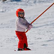 AUD/Lech/20110219 - Fotosessie Nederlandse Koninklijke Familie 2011 op wintersport in Lech, Leonore