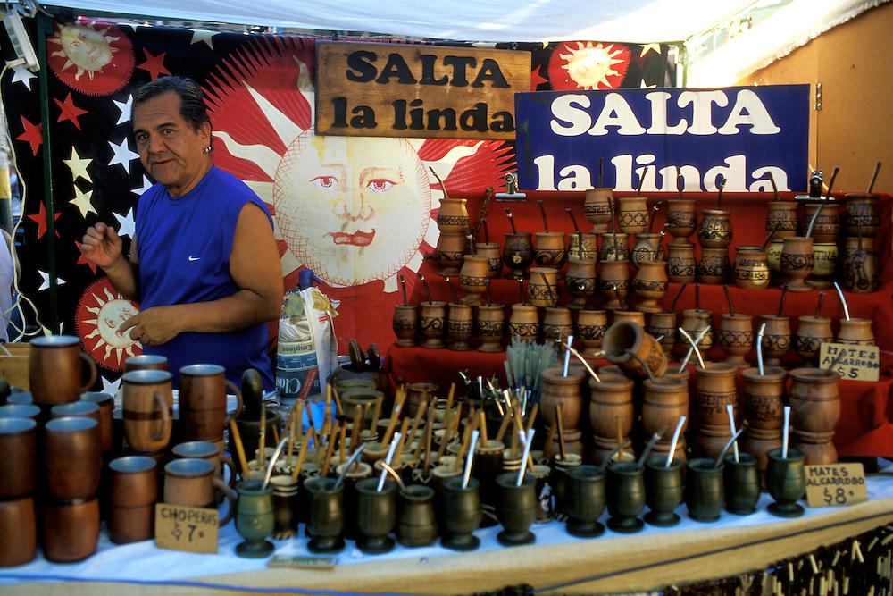 ARGENTINA/ BUENOS AIRES.  Feria Folklórica de Mataderos, llevada a cabo cada domingo en el barrio de Mataderos. En la imagen, puesto de venta de mates..ARGENTINA/ BUENOS AIRES. Mataderos Neighbourhood. Every sunday there is an Argentinian folk holiday. In the image, a traditional teapot stand.