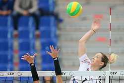 October 21, 2017 - Rzeszow, Poland - Marcela Correa Goncalves (Hapoel), Helene Rousseaux (Developres),  in action during CEV Volleyballl Champions League volleybal women match between Developres Rzeszow and Hapoel Kfar Saba on 21 October 2017 in Rzeszow, Poland. (Credit Image: © Foto Olimpik/NurPhoto via ZUMA Press)