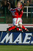 Fotball - Belgia - 05.04.2003<br /> La Louviere v Standard Liege<br /> Ole Martin Aarst - scoret to mål for Standard - her sammen med Moreira<br /> Foto: Philippe Crochet, Digitalsport