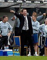 Photo: Jed Wee/Sportsbeat Images.<br /> Newcastle United v Chelsea. The Barclays Premiership. 22/04/2007.<br /> <br /> Newcastle manager Glenn Roeder urges his players on.
