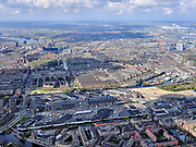 Nederland, Noord-Holland, Amsterdam; 16-04-2021; Amsterdam-West, Zicht op Bos en Lommer en SLotermeer. In de voorgrond de Centrale Markt (Amsterdam Foodcentre), Jan van Galenstraat.<br /> Amsterdam-West, Central Market (Amsterdam Food centre), Jan van Galenstraat. View of Bos en Lommer.<br /> <br /> luchtfoto (toeslag op standard tarieven);<br /> aerial photo (additional fee required)<br /> copyright © 2021 foto/photo Siebe Swart