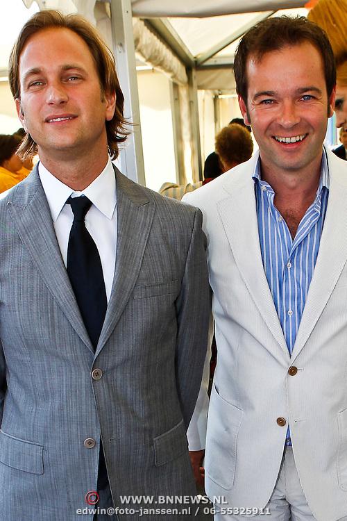 NLD/Amsterdam/20100605 - Amsterdamdiner 2010, Peter van der Vorst en partner Sander Schreurs