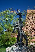 Smok Wawelski – rzeźba z brązu autorstwa Bronisława Chromego, przedstawiająca legendarnego smoka wawelskiego.