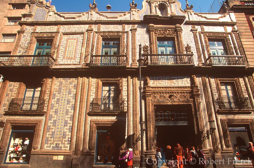 MEXICO, MEXICO CITY La Casa de Azulejos House of Tiles