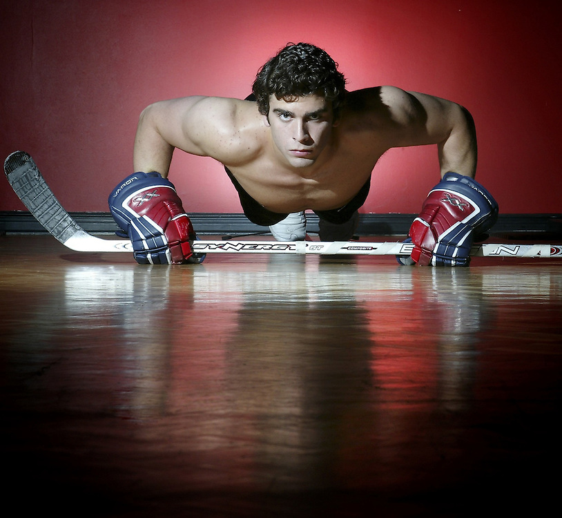 Hockey player Jason Bailey is seen training at Greco's Martial Arts and Fitness in Ottawa on July 28, 2005..(Ottawa Sun Photo By Sean Kilpatrick)