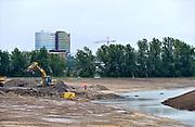 Nederland, Arnhem, 9-7-2014Dit gebied ten zuiden van de rijn, meinerswijk, is een groot natuur en recreatiegebied. Ook wordt het gebruikt en aangepast met een geul, nevengeul, om bij hoogwater het water uit de rivier beter te laten doorstromen, afvoeren. Room, space for the river. Reducing the level, waterlevel,the,netherlands,holland,rhine,measures.Foto: Flip Franssen/Hollandse Hoogte