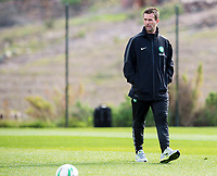 09/01/15<br /> CELTIC TRAINING <br /> SALOBRE GOLF RESORT - GRAN CANARIA<br /> Celtic Manager Ronny Deila watches over training in Gran Canaria