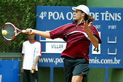 Juan-Pablo Villar na partida contra Diego Cristin válida pela final do quarto Porto Alegre Open de Tênis. FOTO: Marcos Nagelstein/Preview.com
