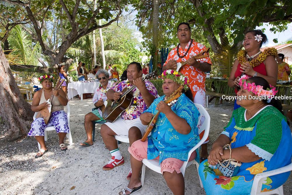 Welcome ceremony, Polynesian dancer, Takapoto, Tuamotu Islands, French Polynesia, (Editorial use only)<br />