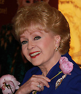 Debbie Reynolds, Hollywood star and mother of Carrie Fisher, dies aged 84