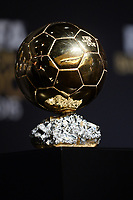 Zurich (Svizzera) 11/01/2016 - Fifa Ballon d'Or 2015 Pallone d'Oro / foto Matteo Gribaudi/Image Sport/Insidefoto<br /> nella foto: Golden Ball - pallone d'oro trophy trofeo