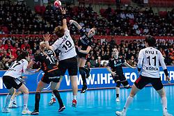 11-12-2019 JAP: Netherlands - Korea, Kumamoto<br /> Last match Main Round Group1 at 24th IHF Women's Handball World Championship, Netherlands win the last match against Korea with 36 - 24. / Lois Abbingh #8 of Netherlands