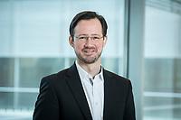 11 FEB 2020, BERLIN/GERMANY:<br /> Dirk Wiese, MdB, SPD, Sprecher Seeheimer Kreis, Deutscher Bundestag, Reichstagsgeaeude und Paul-Loebe-Haus<br /> IMAGE: 20200211-01-005