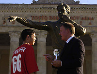 Fotball<br /> Foto: BPI/Digitalsport<br /> NORWAY ONLY<br /> <br /> 12/10/2004 Statue unveiling, Tofiq Bahramov Stadium<br /> Sir Geoff Hurst unveils the statue in honour of the Azerbaijan linesman. Here he chats to the linesman's grandson, sporting a Bahramov 66 t-shirt