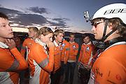 Gespannen wacht het team op een officiele snelheid. Sebastiaan Bowier heeft met de VeloX3 van het Human Power Team Delft en Amsterdam een nieuw wereldrecord gezet. Hij haalde een snelheid van   In Battle Mountain (Nevada) wordt ieder jaar de World Human Powered Speed Challenge gehouden. Tijdens deze wedstrijd wordt geprobeerd zo hard mogelijk te fietsen op pure menskracht. Ze halen snelheden tot 133 km/h. De deelnemers bestaan zowel uit teams van universiteiten als uit hobbyisten. Met de gestroomlijnde fietsen willen ze laten zien wat mogelijk is met menskracht. De speciale ligfietsen kunnen gezien worden als de Formule 1 van het fietsen. De kennis die wordt opgedaan wordt ook gebruikt om duurzaam vervoer verder te ontwikkelen.<br /> <br /> Sebastiaan Bowier sets a new world record speed biking with the VeloX3 of the Human Power Team Delft and Amsterdam. His speed was   . In Battle Mountain (Nevada) each year the World Human Powered Speed Challenge is held. During this race they try to ride on pure manpower as hard as possible. Speeds up to 133 km/h are reached. The participants consist of both teams from universities and from hobbyists. With the sleek bikes they want to show what is possible with human power. The special recumbent bicycles can be seen as the Formula 1 of the bicycle. The knowledge gained is also used to develop sustainable transport.