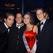 Verkiezing Miss Nederland 2003, Leonie Klip en vrienden