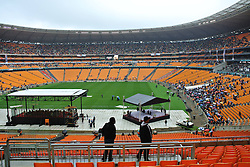 Mandela Memorial Service.<br /> 60812974 <br /> Surpporters wait to attend a memorial service for the former South African president Nelson Mandela at the FNB Stadium in Soweto near Johannesburg, South Africa, Dec. 10, 2013. Thousands of flocked to the FNB stadium early Tuesday to bid farewell to former President Nelson Mandela, one of the world s most loved statesmen, near Johannesburg, South Africa, Tuesday, 10th December 2013. Picture by  imago / i-Images<br /> <br /> UK ONLY