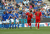 Photo: Kevin Poolman.<br />Leicester City v Colchester United. Coca Cola Championship. 23/09/2006. Colchester's Greg Halford takes his free kick which just goes wide.